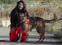 Rettungshund Nora und Hundeführerin Elwira